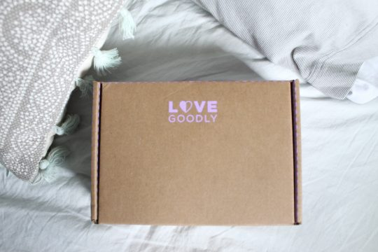 VEGAN MONTHLY SUBSCRIPTION BOX